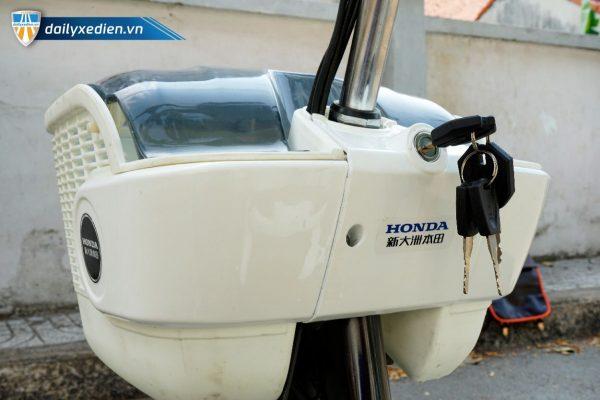 xe dap dien honda a6 new 15 10 600x400 - Xe đạp điện Honda A6 mẫu mới Robot