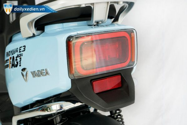 xe may dien yadea ct 4 600x400 - Xe máy điện Yadea E3