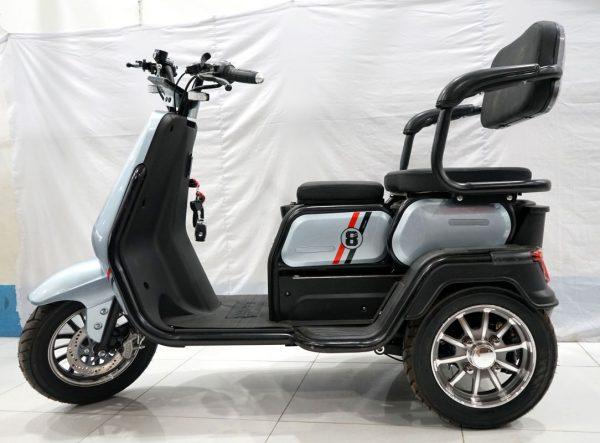 xe 3 banh super 8 new 2021 31 600x443 - Xe 3 bánh Super 8 new 2021