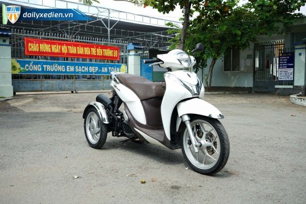 xe ba banh sh mode trang ct 07 600x400 - Xe máy ba bánh chế SH mode Việt Nhật